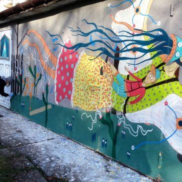 Malowanie muralu na bulwarach wiślanych-Festiwal Graffiti i Sztuk Młodzieżowych- Kraków 2016