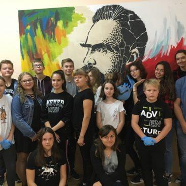 Spraye, szablony, puzzle i Piłsudski – warsztaty graffiti – Festiwal Sztuk Młodzieżowych – Wola Zachariaszowska 2018